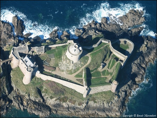 Ford Lalatte, el castillo de Ayella