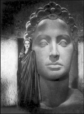 Brigitte Helm como Antinea en 1933