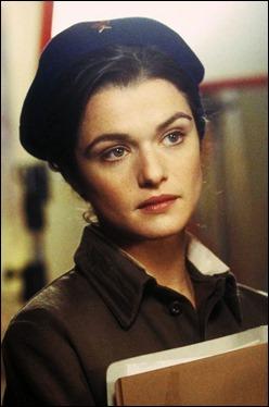 Rachel Weisz como Tania