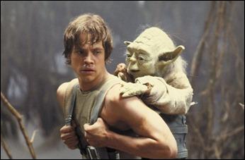 Luke escuchando al cansino de Yoda