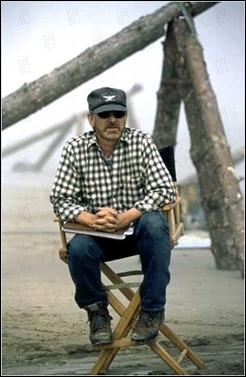 Spielberg dirigiendo Salvar al soldado Ryan