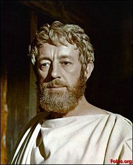 Alec Guinness como Marco Aurelio