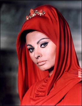 Sofia Loren, bellísima e inexpresiva como Lucila