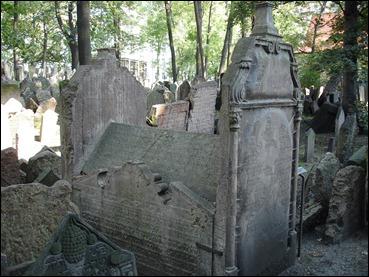 La tumba más antigua del cementerio judío de Praga