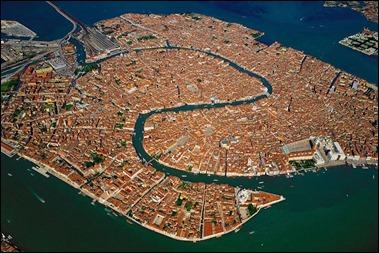 Venecia y las dos fauces