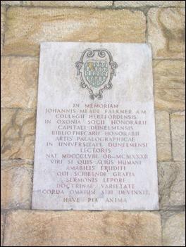 Lápida de John Meade Falkner