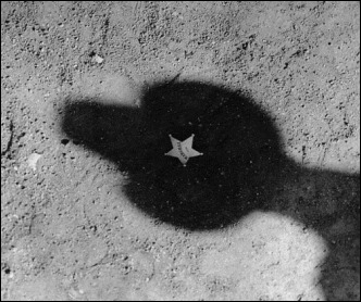 Imagen emblemática de Solo ante el peligro... que no aparece en pantalla