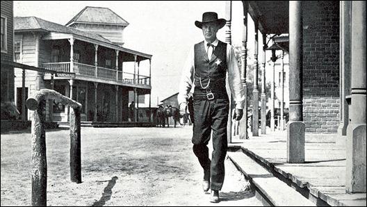 La imborrable imagen de Gary Cooper por las calles de Hadleyville