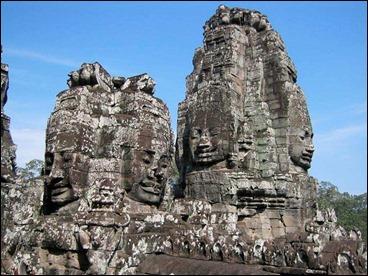 Los templos indios y sus rostros en las paredes