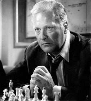 Curd Jurgens, protagonista de Juego de reyes, versión en cine de La novela de ajedrez de Zweig