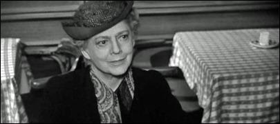 Miss Spinney, otoñal testigo del romance imposible de Jennie