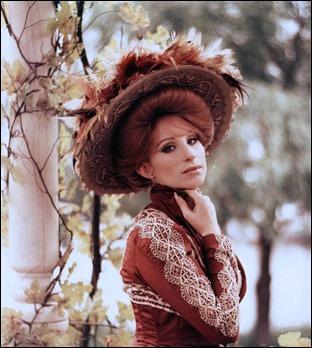 Barbra Streisand como Dolly Levi