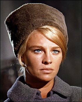 Julie Christie como Lara Antipova