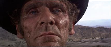 El rostro ingrato de Al Mulock, en el plano inicial de El bueno, el feo y el malo