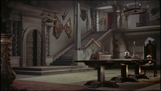 El lujoso interior del castillo de Christopher Lee
