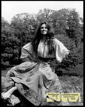 Caroline Munro, maravillosa como la vagabunda Carla