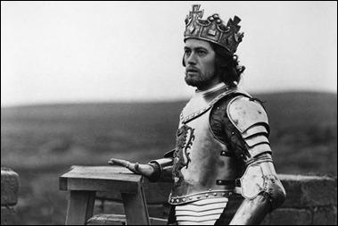 Jon Finch, como Macbeth