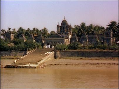 El Ganges, omnipresente en las imágenes de El río