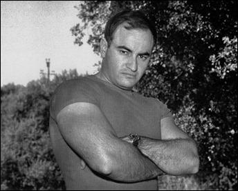 Paul Naschy, en una pose culturista