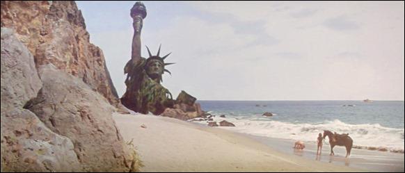 El mítico plano de Charlton Heston frente a la Estatuaa de la Libertad