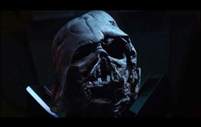 El casco deformado de Darth Vader
