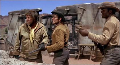 Lassiter, Haven y Franklyn alertas al ataque de los indios