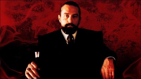 Robert DeNiro como Louis Cyphre, anagrama para aficionados al terror