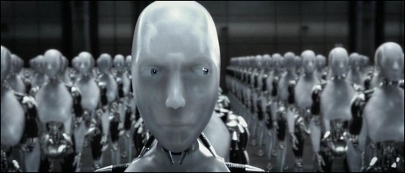 Imagen de la horrible película Yo, robot, al servicio de Will Smith