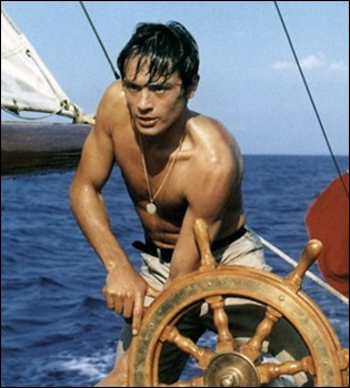 Imagen emblemática de Alain Delon como el Tom Ripley de A pleno sol