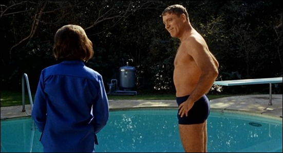 Burt Lancaster en El nadador, fotograma de la película