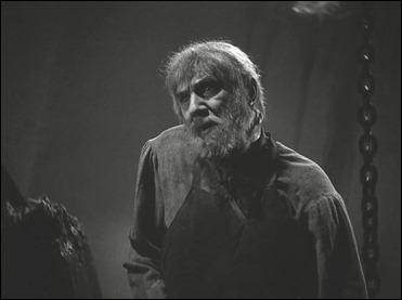 Bela Lugosi como el jorobado Ygor y su cuello torcido, en La sombra de Frankenstein