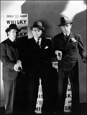 Emblemática foto promocional de The Roaring Twenties, con Cagney y Bogart