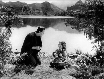 La célebre imagen del monstruo de Frankenstein y la niña