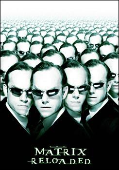 Cartel promocional de Matrix Reloaded, centrado en el Agente Smith de Hugo Weaving