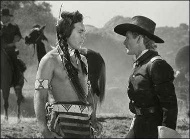 Caballo Loco y Custer, o sea, Anthony Quinn y Errol Flynn