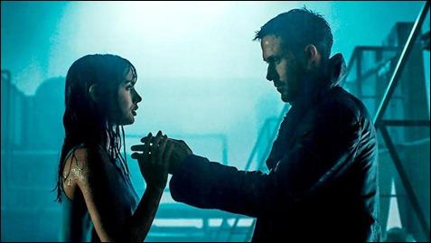 Ana de Armas y Ryan Gosling, seres humanamente artificiales