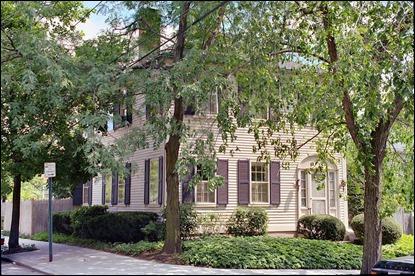 La casa de Lovecraft en Providence durante sus últimos años de vida, presente en El asiduo de las tinieblas