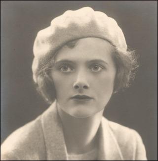 La joven Daphne du Maurier, un rostro digno de Rebeca