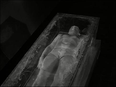 El cuerpo que flota en el espacio de The Long Morrow