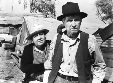 Ma y Pa Joad, o sea, Jane Darwell y Russell Simpson