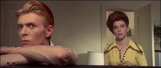 David Bowie y Candy Clark, Newton y Mary-Lou