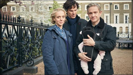 Watson, señora y niña mas Holmes