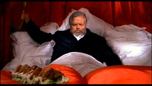 Orson Welles como el tío Cassave en Malpertuis