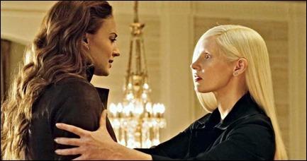 Jessica Chastain como Vuk, frente a Jean Grey