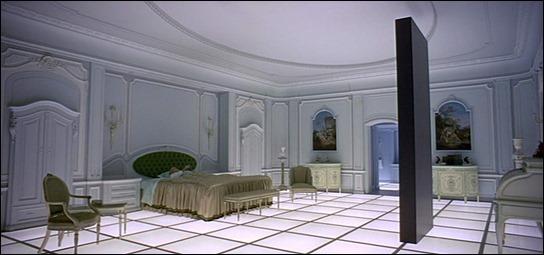 El monolito en la habitación Luis XVI