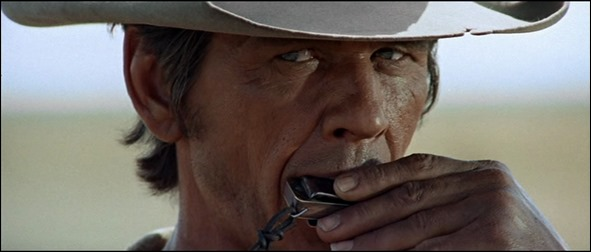 Charles Bronson, el fascinante hombre de la armonica