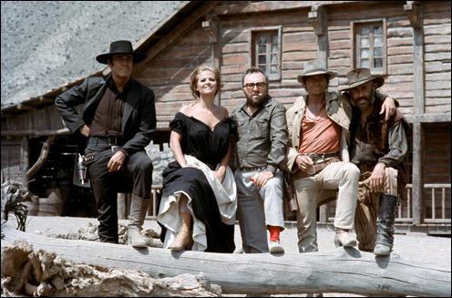 Sergio Leone con sus cuatro estrellas de Hasta que llego su hora