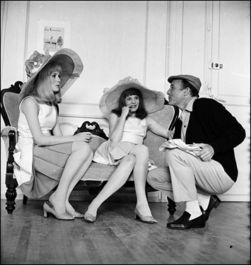 Gene Kelly y las hermanas Denueve-Dorleac