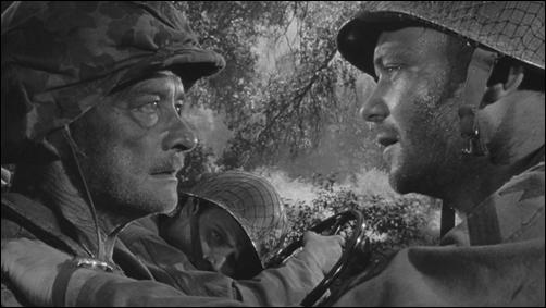El coronel fuera del mundo y el sargento que lo cuida, en Men in War