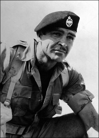 Sean Connery, en uno de los mejores papeles de su carrera, el soldado recluso de The Hill
